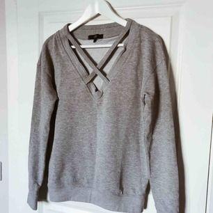 Oanvänd tröja från Missguided, säljs pga att den är för stor då den är mer som 36.