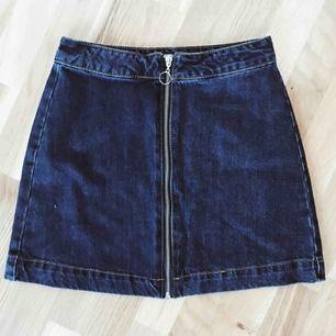 Jättefin kjol från PullAndBear, använd två-tre gånger ✨