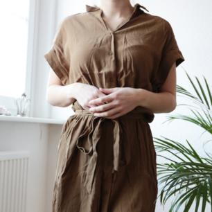 Superfin klänning från H&M. Fraktkostnad tillkommer.