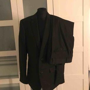 Dressmann kostym herr, Slim fit  50 regular   Byxorna str: 33-34  Byxorna str: 33-34
