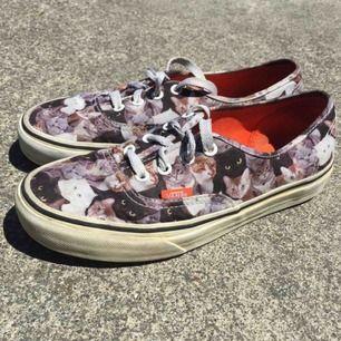 Supersöta katt vans som är köpta i USA, skorna är i samarbete med Aspca. Frakten ingår!