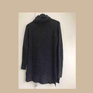 Stickad polo tröja från bikbok. Sparsamt använd, nypris: 299 kr