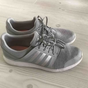 Sparsamt använda, väldigt fina! Mjuka och följsamma, som att gå på moln (säljer pga har för många sneakers..). Skickas mot porto 63:-