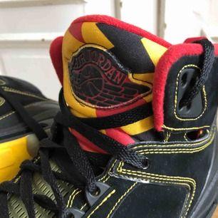 Air Jordan 60+ - Atlanta Hawks Colorway - 364806-071 - US12 UK11 EU46 Skick: 7.5/10 Kan hämtas i Uppsala eller skickas spårbart för 95 SEK
