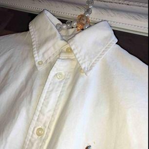 Ralph Lauren skjorta. Endast använd en gång. Köpare betalar frakt 🌸