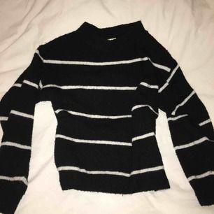 Mysig stickad tröja från hm, oversize
