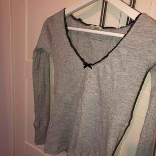 XS, tröjan är i ny skick. Säljes på grund av att jag tyvärr inte får användningstillfälle