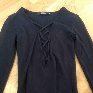 tröja från bik bok, nypris 250kr använd 1gång, finns att hämta i norrköping annars står köparen för frakten