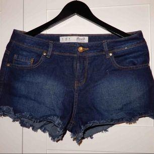 Jeans shorts, aldrig använda !