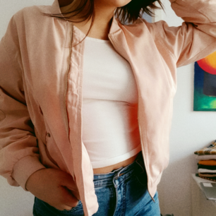 Super pretty baby pink spring jacket from monki.