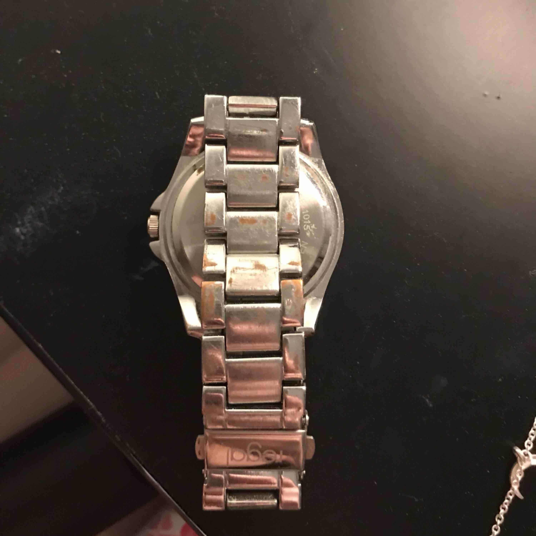 Klocka och armband. Köpare står för frakt.. Accessoarer.