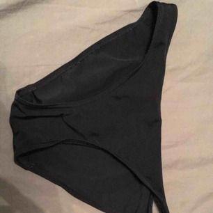 Frakt 9kr. Sköna svarta bikinitrosor