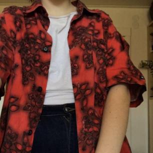 Asnajs kortärmad skjorta som verkligen lyser! En favorit i garderoben men används tyvärr för sällan ❤
