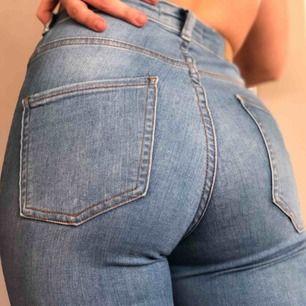 Blå molly jeans. Bra skick. Köpare står för frakt!😁