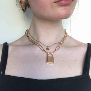 super coolt hänglås-halsband med grövre kedja