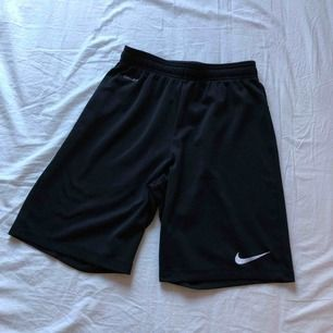 Nike shorts 50kr + frakt (ingår ej)