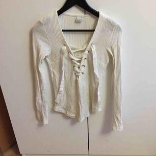 Fin tröja från Gina som är för liten för mig :)