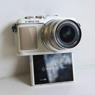 Jetzt meine geliebte Kamera verkaufen! Blitz, Objektiv und Klebeband enthalten! Die Kamera ist mes-wi-fi-fähig, sodass Sie Bilder direkt nach der Aufnahme problemlos auf das Handy übertragen können! Die Kamera wird auf Wunsch nachverfolgbar transportiert. Versand vom Käufer bezahlt