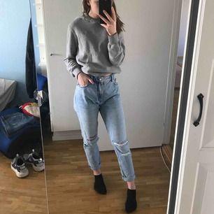 Asss snygga mom jeans från monki , jag är st S i vanliga fall dem sitter som en smäck!