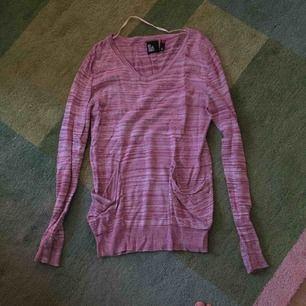 Lång rosa tröja. Knappt använd.