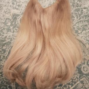 100 gram Flip in löshår ifrån poze i en kall blond nyans