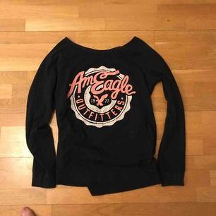 Superfin tröja från American Eagle med tryck. Toppskick, köpt i Dubai. Frakt kostar 55kr
