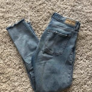 As snygga jeans från hm, små i storleken men väldigt stretchiga.💖