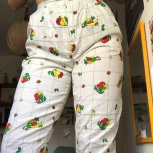 Super fina sommar/vår byxor. Aldrig använda! Säljer pga dom är för små för mig.