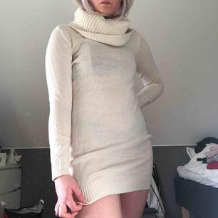 Stickad klänning 100kr + frakt Möts i Stockholms området. Allt från Södertälje till Upplands Väsby