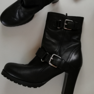 Svarta boots från Oasis 🌸