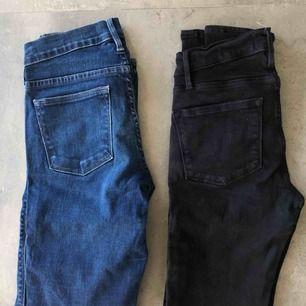 Två par skinny jeans från NK! Använda men är fortfarande i bra skick! Superfina på 😍 köparen står för frakt