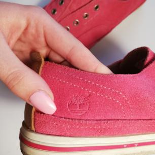Rosa sneakers från timberland i storlek 38.
