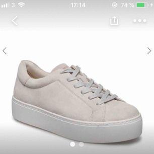 Inprincip oanvända fina skor, passar perfekt nu till våren och sommaren!