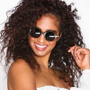 Har dessa solbrillor. Helt nya!!! Inte min stil så säljer vidare.   60kr med frakt inräknat.