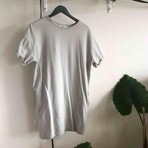 Tshirtklänning från zara med fickor(!!)