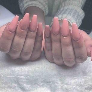 Sugen på naglar?  Ordinarie pris 300:- förstagångs kund 200:-