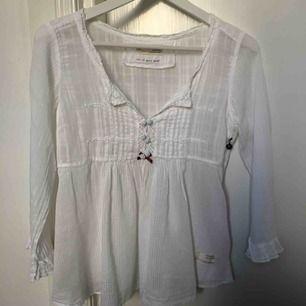 Fin Odd Molly blus, knappt använd! Säljer för att den aldrig kommer till användning.