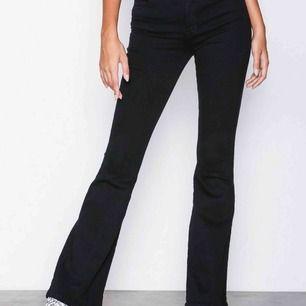 Dr denim Macy Inköpta på Nelly Flare jeans Hög midja Aldrig använda Nypris 500