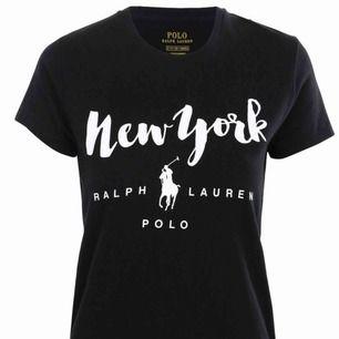 Ralph lauren t-shirt Använd fåtal gånger Stl M