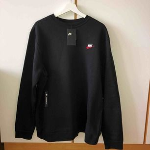 Sweatshirt från Nike i strl XL, helt ny med lapparna kvar!