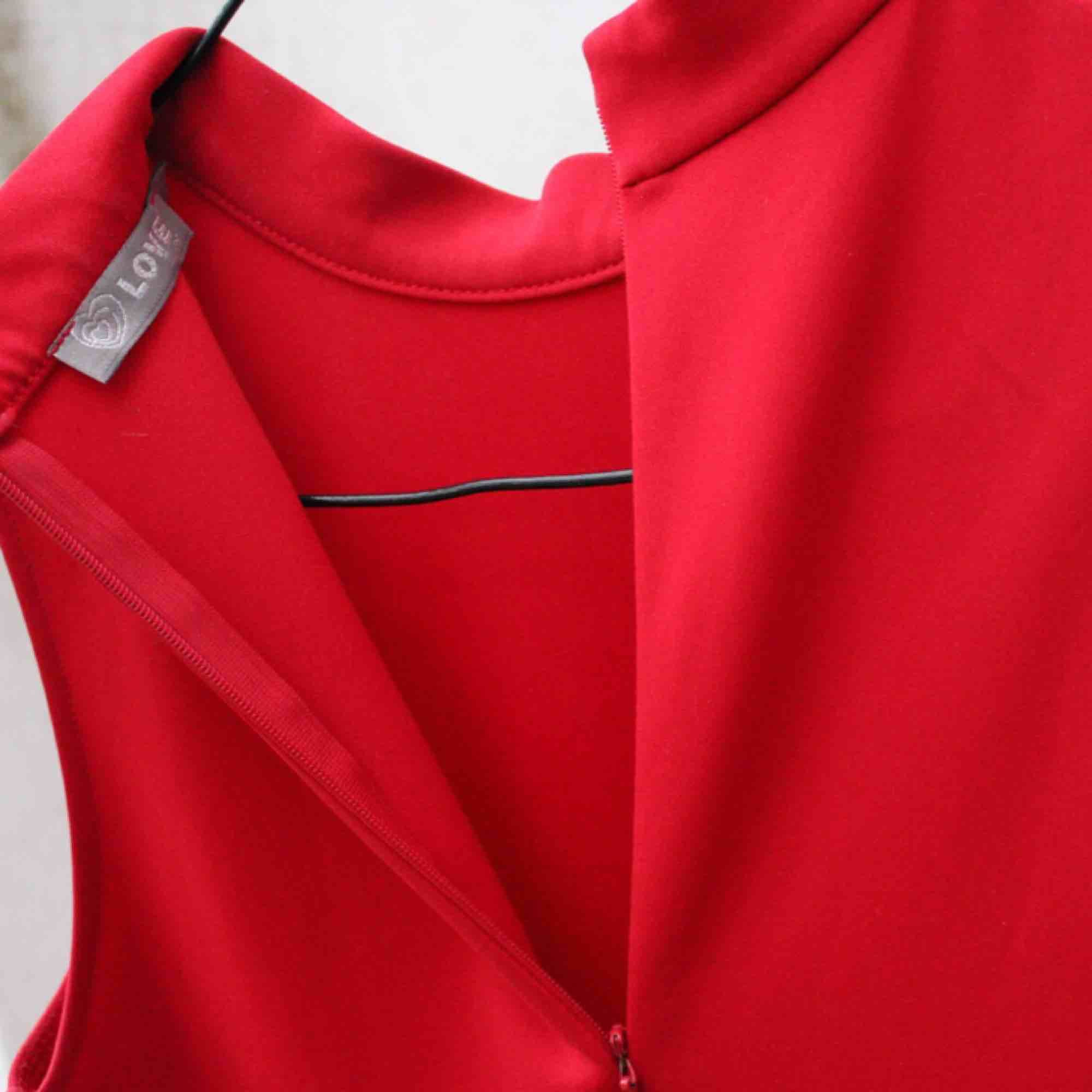 🌹 röd klänning med turtle neck 🌹. Klänningar.