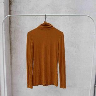 Orange/brun polo 🌵
