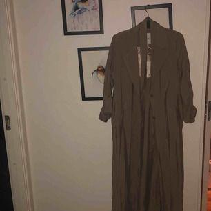 Kappa från monki Aldrig använd och finns prislapp kvar Nypris 700 men säljer för 400 (priset kan förhandlas)