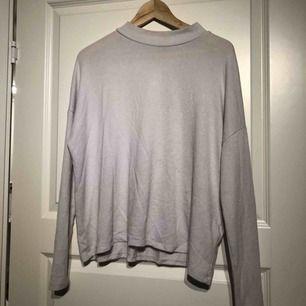 Ljusljus-rosa/creme-färgad långärmad tröja från Cubus i stl S, passar M/38. Ganska använt skick men funkar för att användas!  *Postar om köparen betalar fraktkostnaden (40kr)