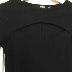 Frakt inkl Fin klänning från bikbok Använd 1 gång
