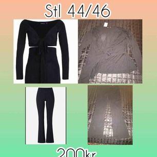 Säljer en svart outfit med svarta utsvängda strechiga byxor med en svart top till. 🎀 Stl på byxorna är 44/46 & toppen 44🌸 Båda två för 200kr & mitt pris som gäller📌 Finns i Norrköping & kan fraktas köpare står för kostnaden📌