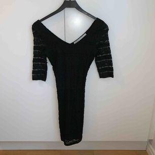 Frakt: 39kr Bra skick Spetsklänning