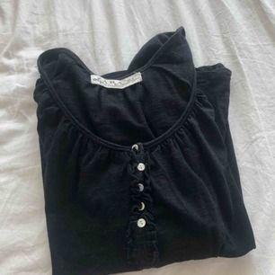 Tröja från Zara, använd några få gånger, storlek XS/S, endast frakt (köparen står för frakten, ca 60kr)💓