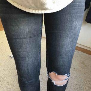 Jeans från bikbok  Strl L, passar 38 Super skick.