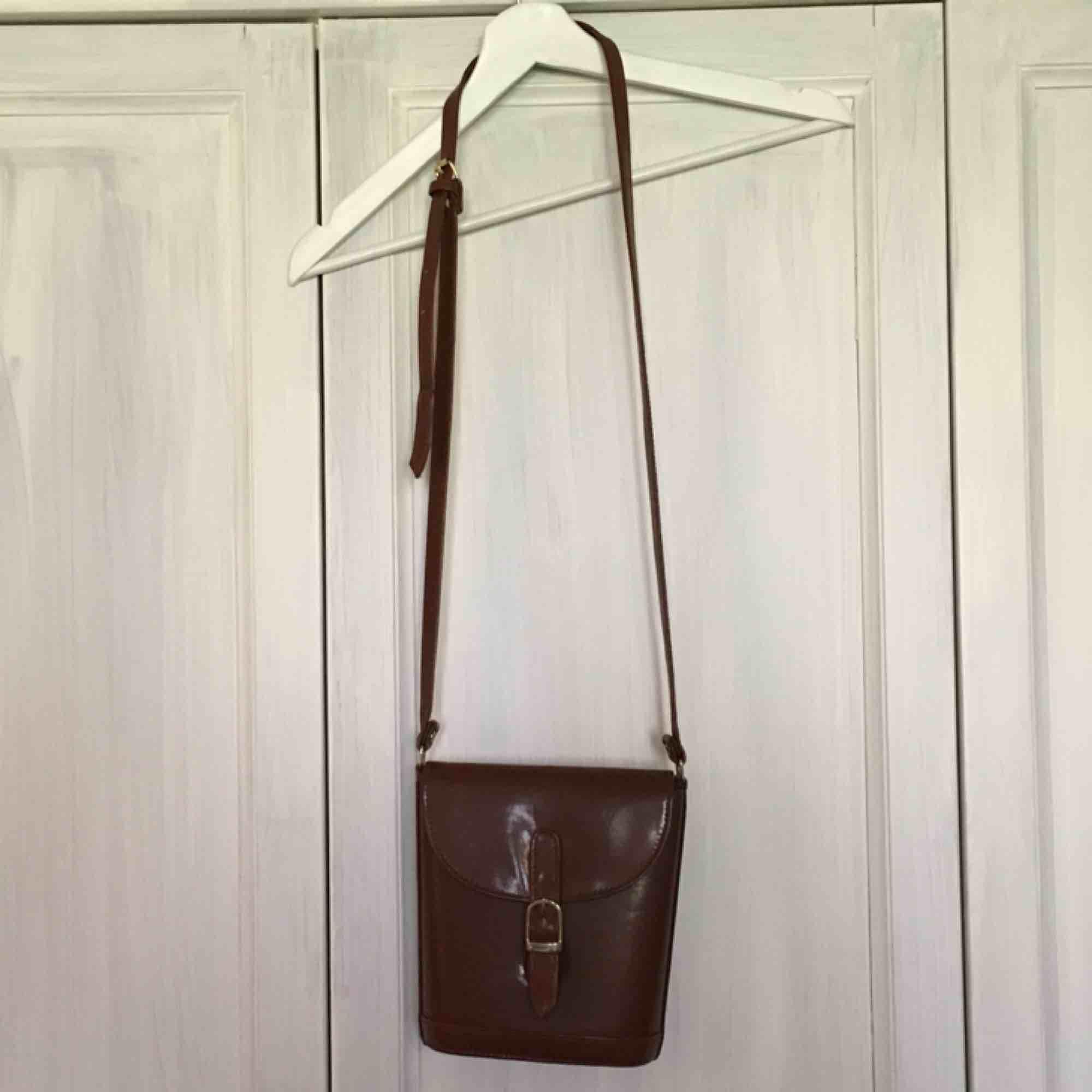 Skitsöt väska som inte används! Frakt 40kr. Väskor.